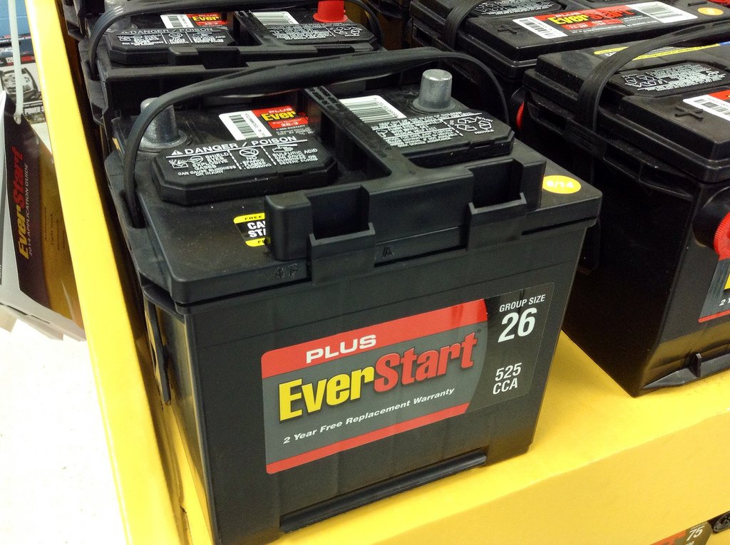 how to read a car battery label